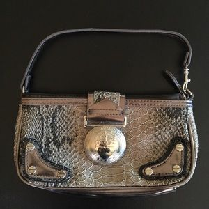 Snake skin (fake) small purse with magnet closure!